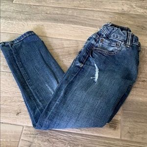 EUC Gap distressed skinny jeans. Sz 6 regular